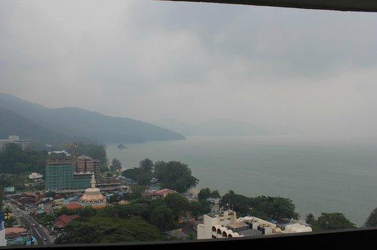 Holiday Inn Resort Penang : 部屋からの海の眺めが良い