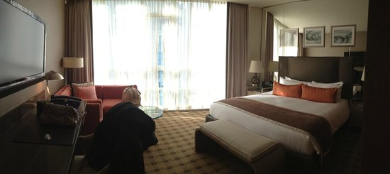 Loden Hotel: Panorama of King Bed Room 8th floor