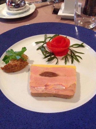 Le Verger de la Mer : Foie gras avec morceau de homard!!!