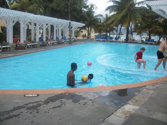 Preskil Beach Resort: La piscine commune