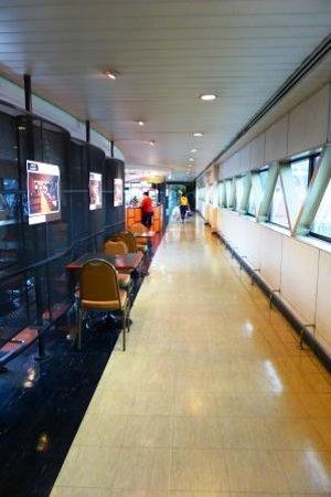 Amari Don Muang Airport Bangkok : Walkway from hotel to airport
