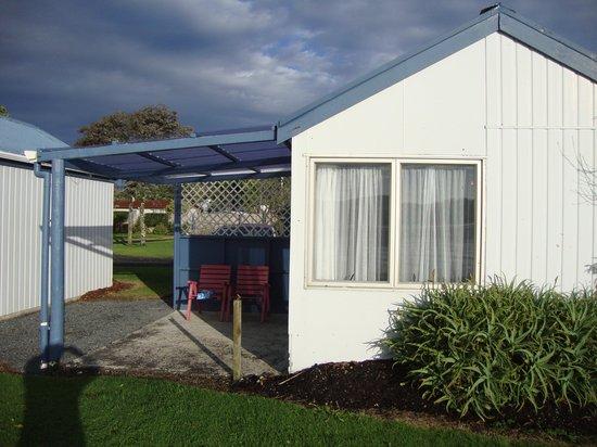Waitangi Holiday Park: Cabin