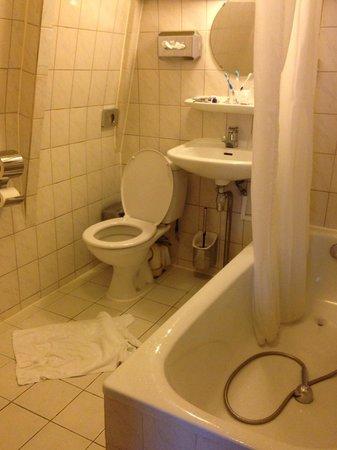 Hotel Prins Hendrik: Il nostro bagno