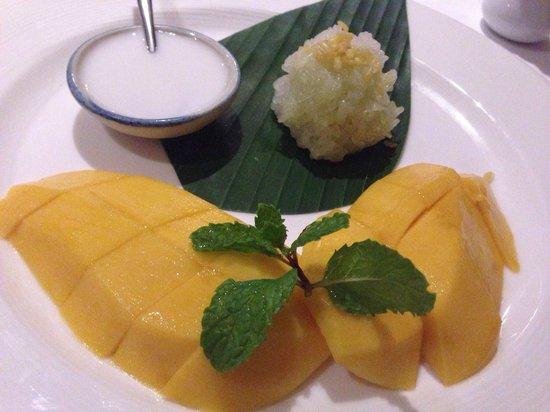Dusit Thani Maldives: Dinner at Benjarong restaurant