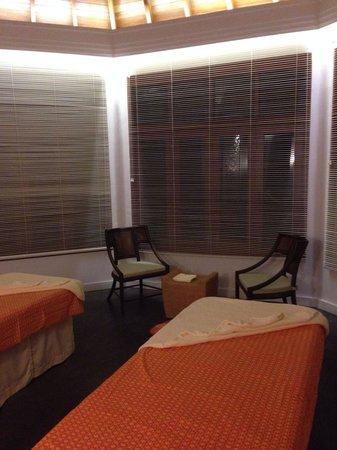 Dusit Thani Maldives: Spa treatment suite