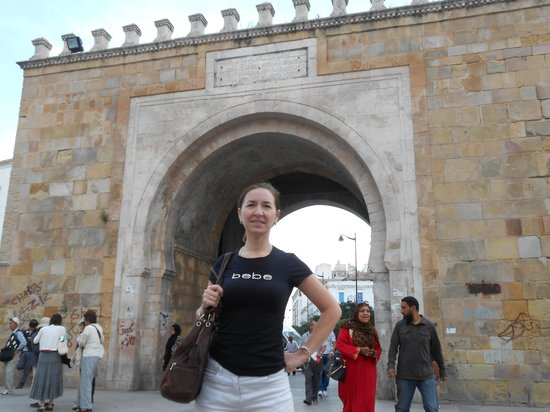 Medina von Tunis: Я, на границе Медины и Французкой частью Туниса