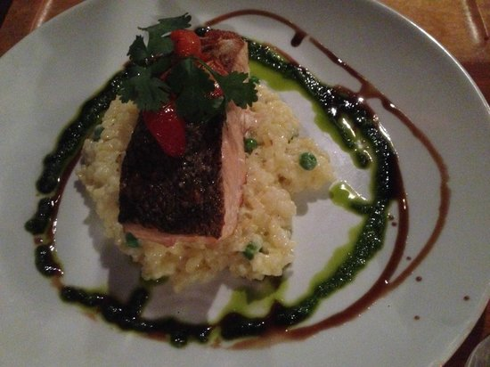 St Mounts Boutique Hotel & Trattoria : Salmon and Pea Risotto