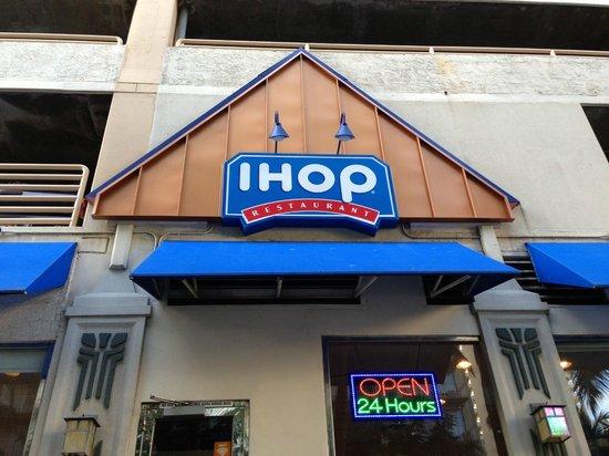 IHOP: 正面入り口