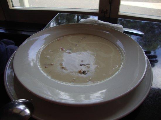 sally's restaurant: Seafood Chowder - Yummy