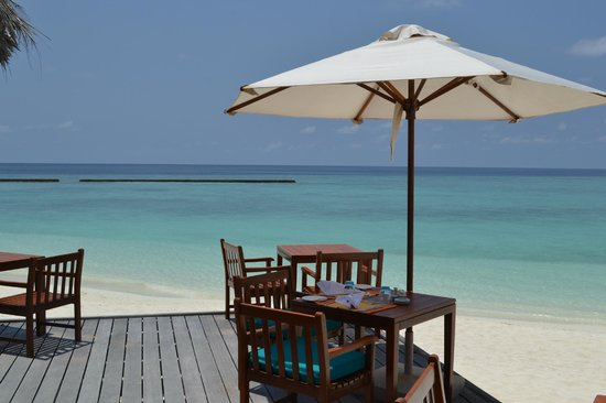 Veligandu Island Resort & Spa: View from the deck of the restaurant