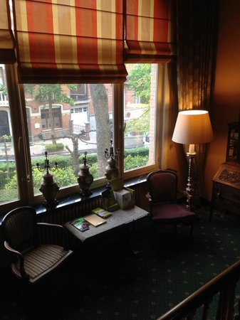 Hostellerie Pannenhuis : Лестница