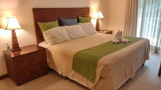 Paradise Beach Hotel : cama