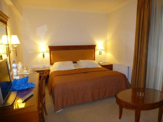 Athens Atrium Hotel & Suites: standard room