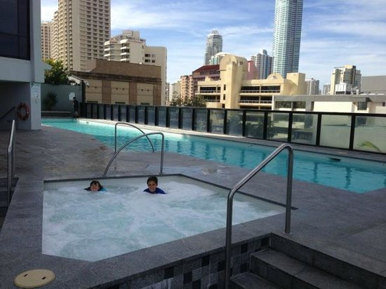 Mantra Circle on Cavill : Lap pool and spa - south tower