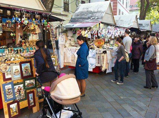 Altstadt: Сувенирные ряды