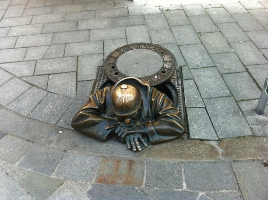 Altstadt: Не забудьте потереть на удачу каску!