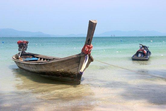 Andaman Leisure Phuket Co., Ltd.: Arrêt sur une petite île