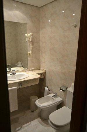 Hotel Ciudad de Compostela: Baño