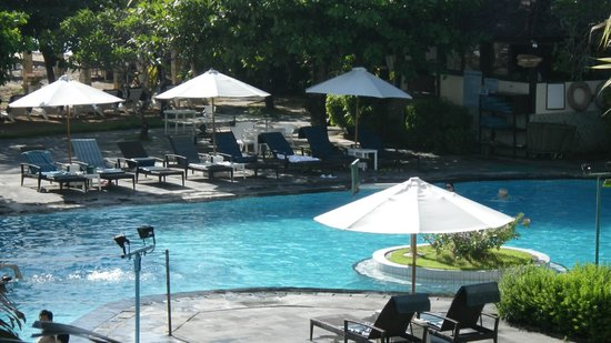 Club Bali Mirage: プ-ル