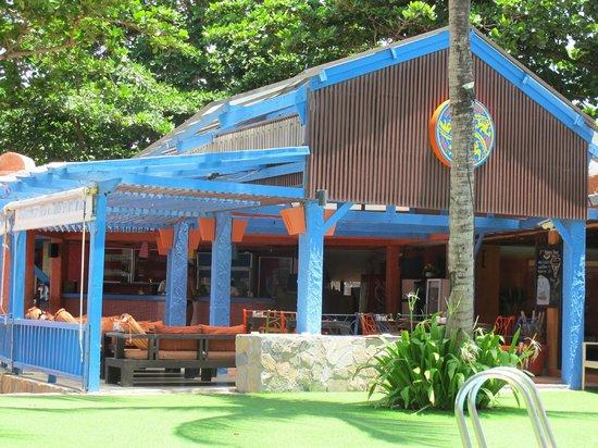 Baan Samui Resort: Dining around pool