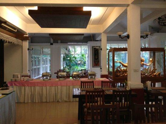 Karinthip Village: cafe