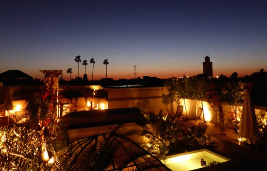 Riad Camilia: RoofTop View at night