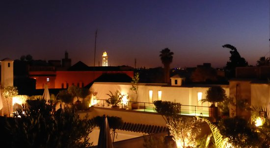 Riad Camilia: Dinner time on our Rooftop Terrace