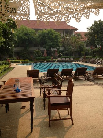 Karinthip Village: swimming pool