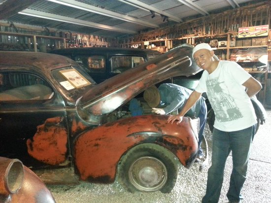 Historic Village Herberton: classic old cars