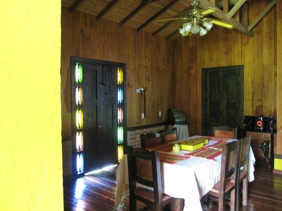 Casa Rural El Tesorito : SALON-COMEDOR