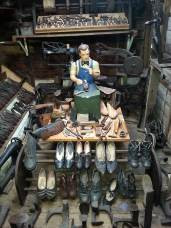 Historic Village Herberton: shoemaker