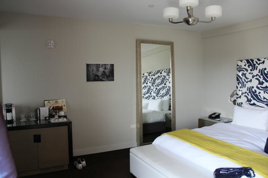 Hotel Breakwater South Beach: Schlafzimmer