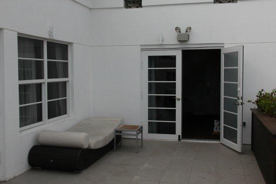 Hotel Breakwater South Beach: Aussicht vom Jacuzzi ins Zimmer