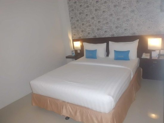 Zenith Hotel: tempat tidur yang nyaman