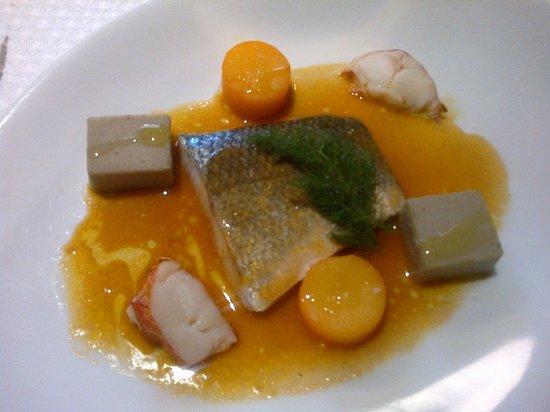 La Table d'Yves : Dos de bar, flan d'artichaut et jus de homard