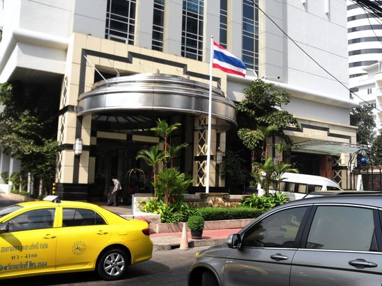 Majestic Grande Hotel : ラジャホテル側から撮りました