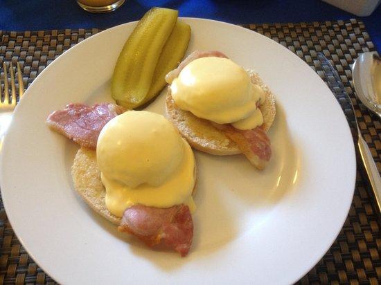 Cornerways Guest House: Eggs benedict