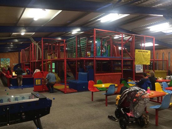 Bicton Park Botanical Gardens: Soft play area in big barn