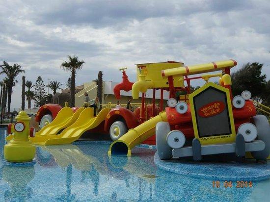 Mediterráneo Park: Piscine