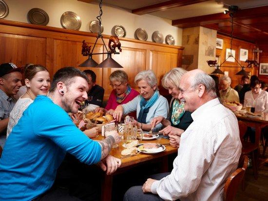Über 500 Jahre alte Bäckerei und Gastwirtschaft in Wangen im Allgäu: bekannt für Leberkäs, Seele