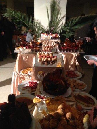 Hotel Isis Thalasso & Spa : Exemple d'un buffet des desserts