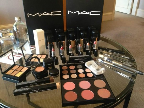 Sanctuary Day Spa: M.A.C makeup