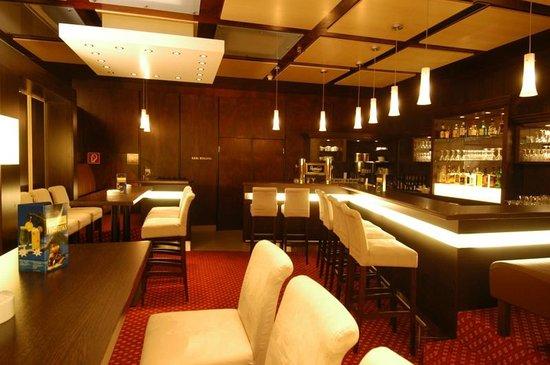 hotel am kurpark bad hersfeld duitsland foto 39 s reviews en prijsvergelijking tripadvisor. Black Bedroom Furniture Sets. Home Design Ideas