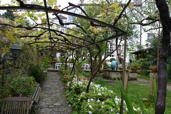 Costa Vella Hotel : Jardínes