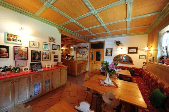 Col Da La Vila: bar