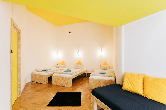 Home Plus Hostel: 4 bed private room