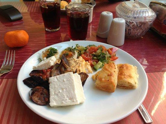 Tashkonak Hotel: Breakfast