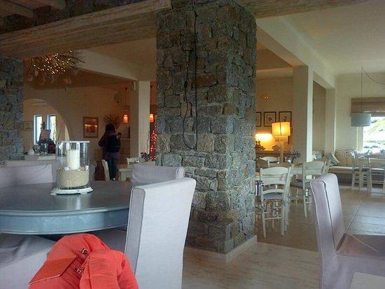 Vencia Hotel: Sálón comedor a media tarde