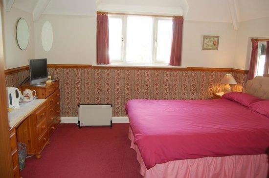 Ravencroft B&B: Rose Room
