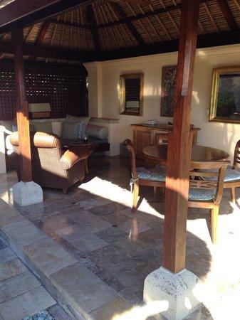 Four Seasons Resort Bali at Jimbaran Bay : Outside patio
